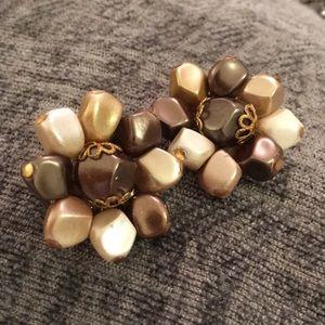 Baroque pearl look beaded caviar earning clip er
